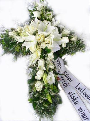 Mynd Útfararkross með hvítum rósum,  liljum, statiku, aspedistru ásamt alskonar grænu-70cm.