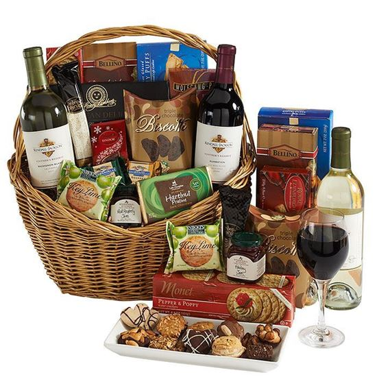 Picture of Cheese -wine-biscuits basket big