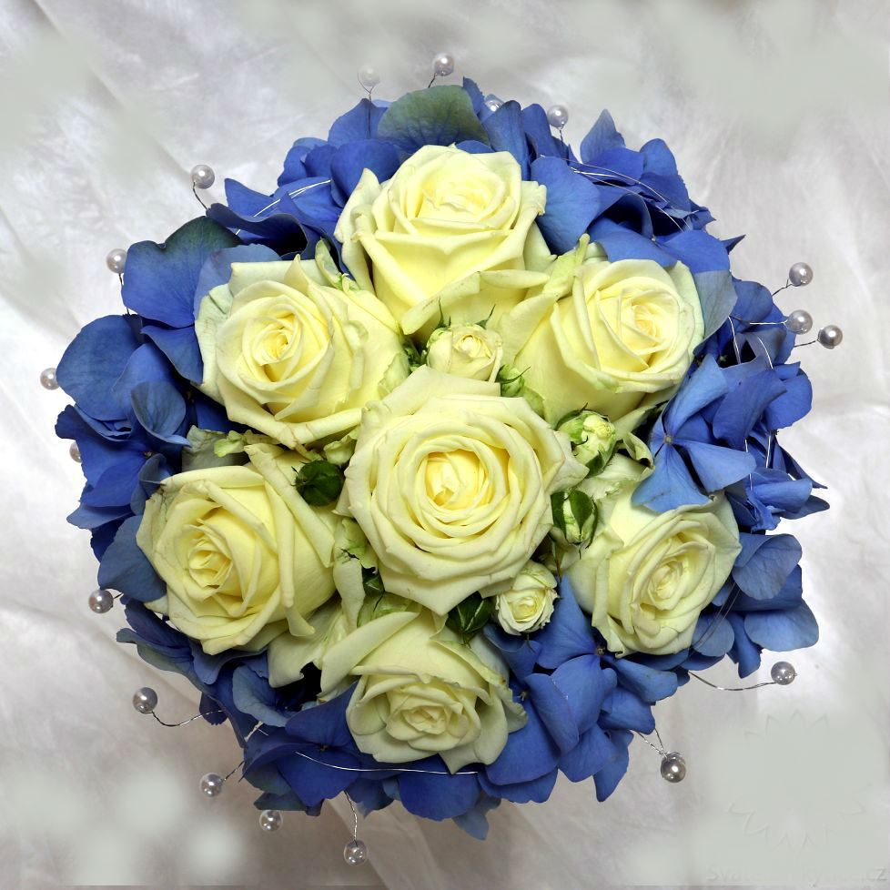 wedding bridal bouquet with blue hydrangea and cream or white roses h si bl ma flower. Black Bedroom Furniture Sets. Home Design Ideas