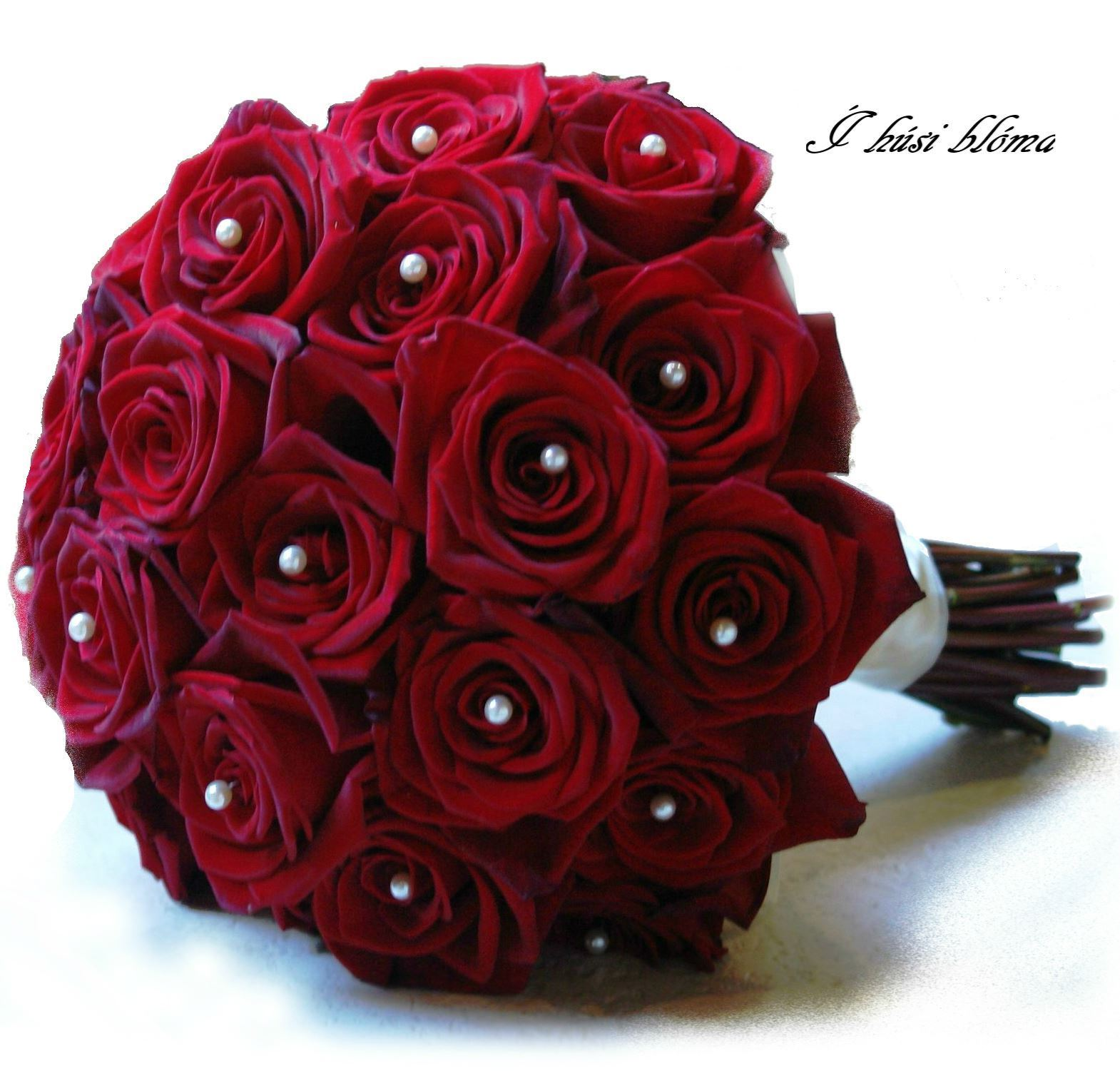 Red Roses Wedding Bouquets.Classic Round Wedding Bouquet With Roses In Desired Color And Pearls