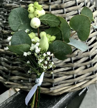 Picture of Groom's boutonniere matching natural woodland wedding bouquet n.55.